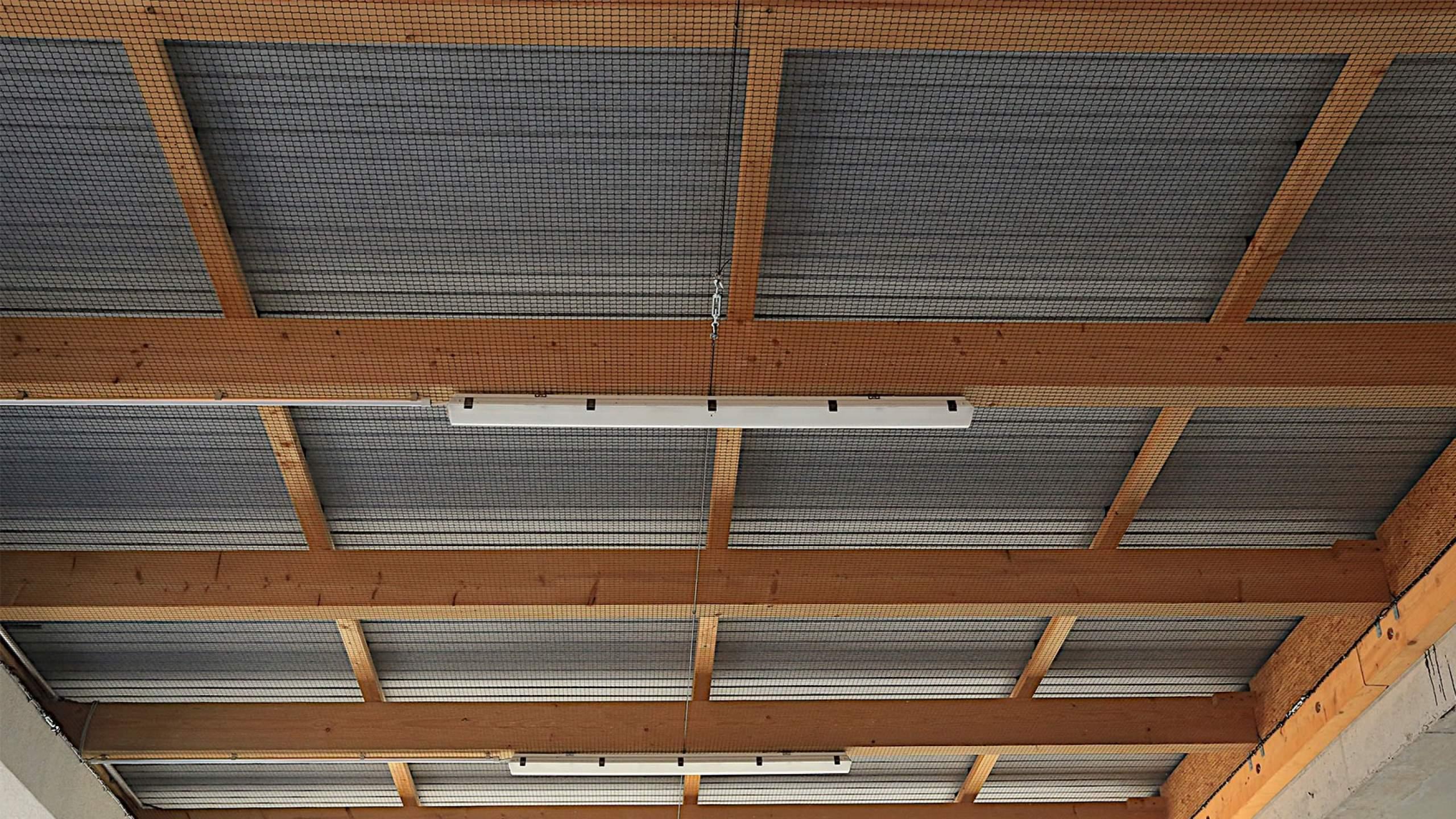 Zimmererarbeiten großes Gebäude Decke innen