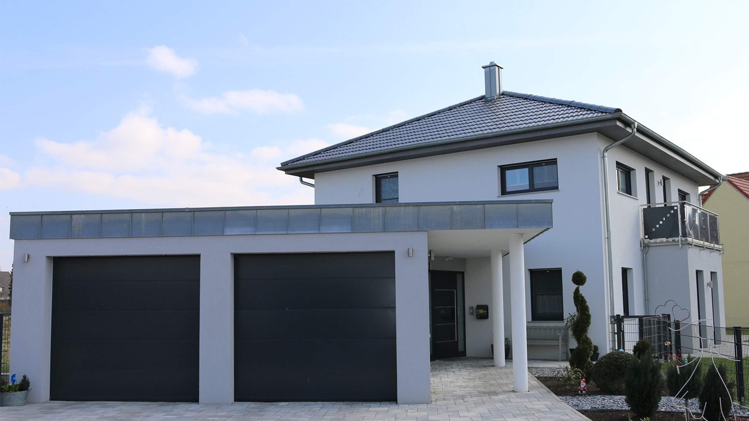 Einfamilienwohnhaus Garage